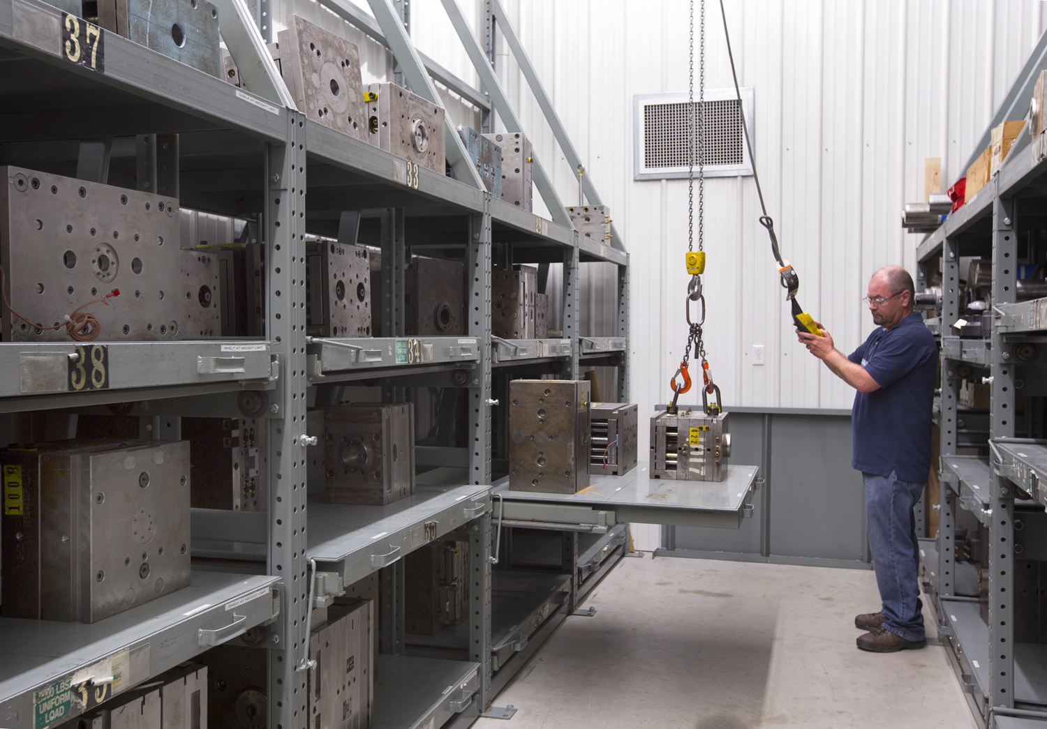 Roll-Out Shelving carries 3,000 pounds with 100% Extension